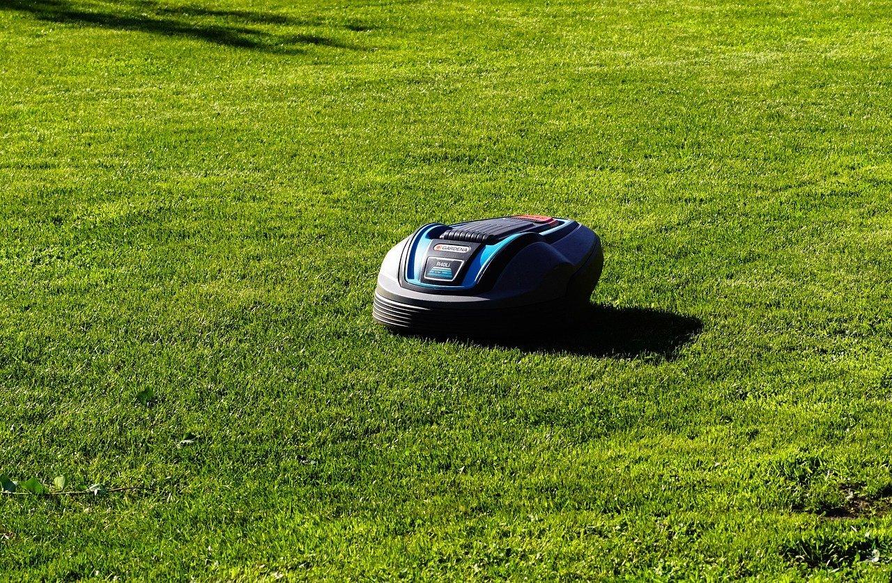 Read more about the article Quel est le fonctionnement du robot tondeuse?